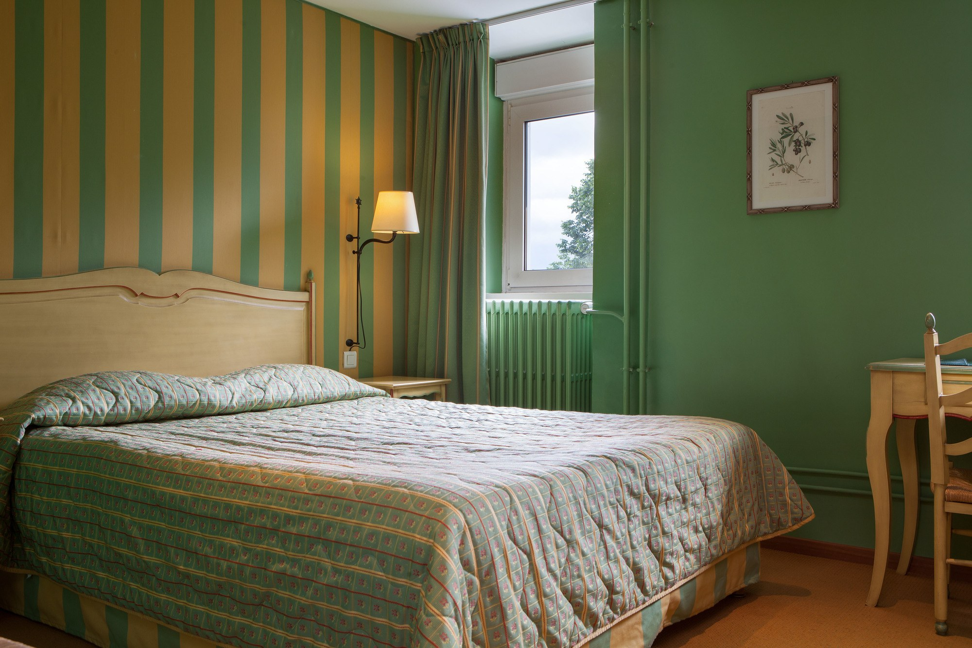464/Photos/Chambre/Tradition/hotel-beausejour-chambre-tradition-2.jpg